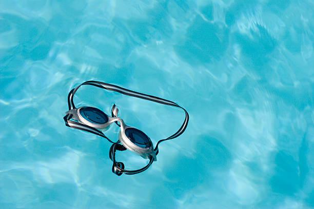 schwimmbrille 2 - elemi stock-fotos und bilder