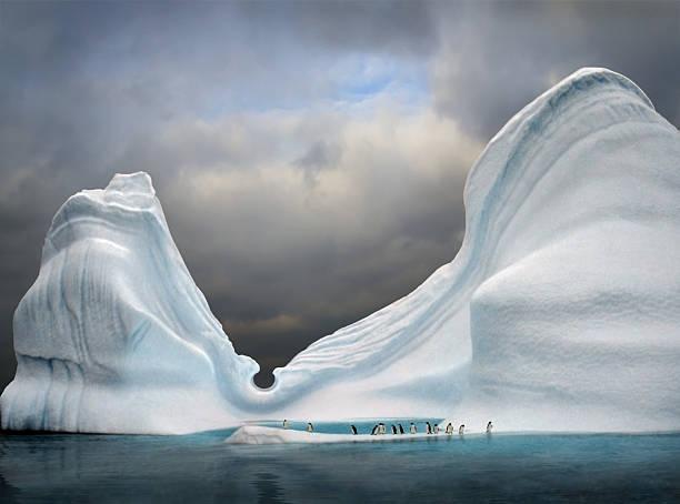 Swimmingpool in Eisberg – Foto