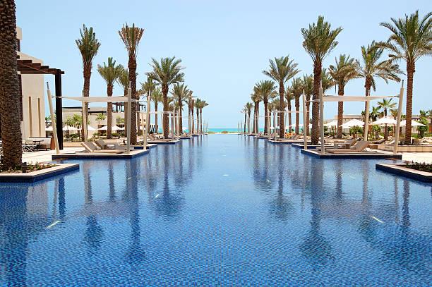Swimmingpool in Luxushotel, Saadiyat island, Abu Dhabi, VAE – Foto