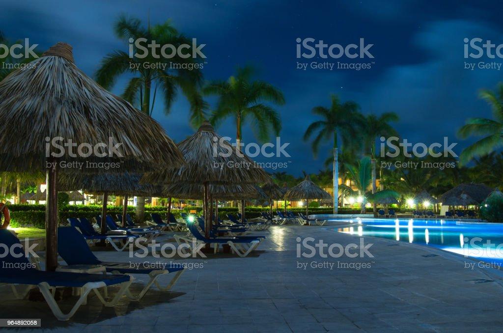 游泳池 - 免版稅夜晚圖庫照片