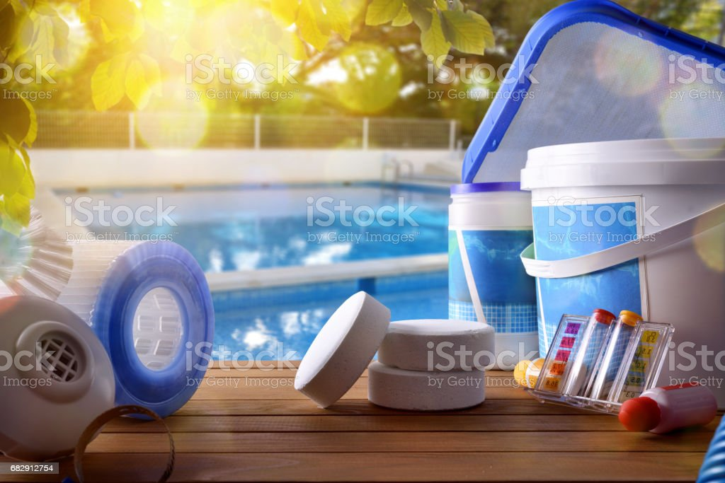 Swimming pool service and equipment with swimming pool background – zdjęcie