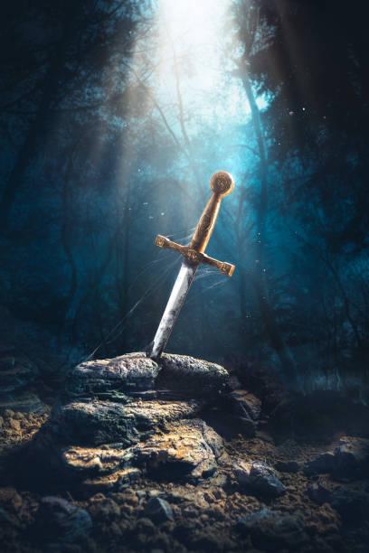 sword in the stone excalibur - sword zdjęcia i obrazy z banku zdjęć