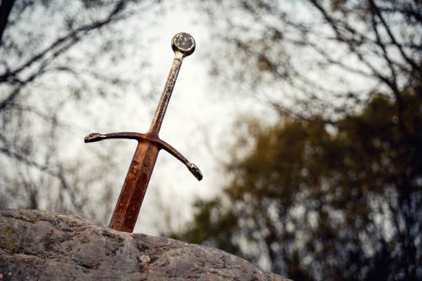 石頭上的劍 - sword 個照片及圖片檔