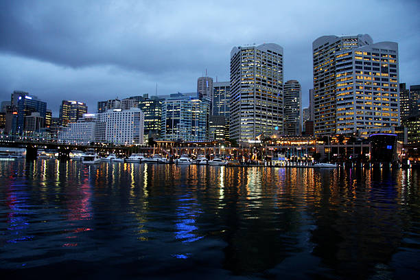 Sydney, Darling Harbour bei Dämmerung – Foto