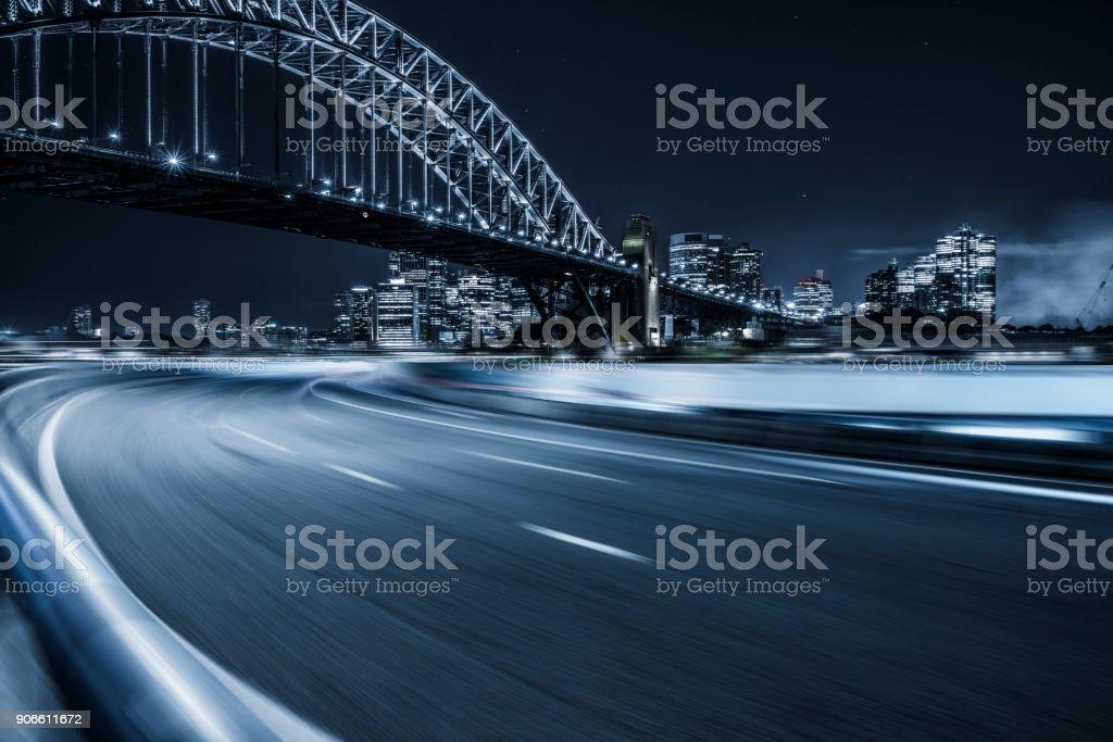 Sydney Harbour Bridge bei Nacht, Australien – Foto