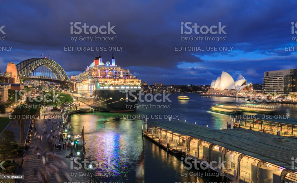 Sydney Opera House, Queen Mary 2 and Sydney Harbour Bridge, Australia stock photo