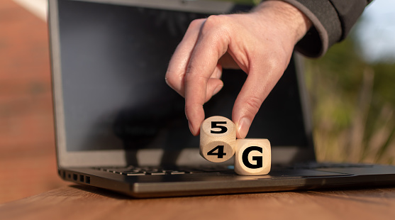istock Symbol of the change from 4G to 5G 1133668346