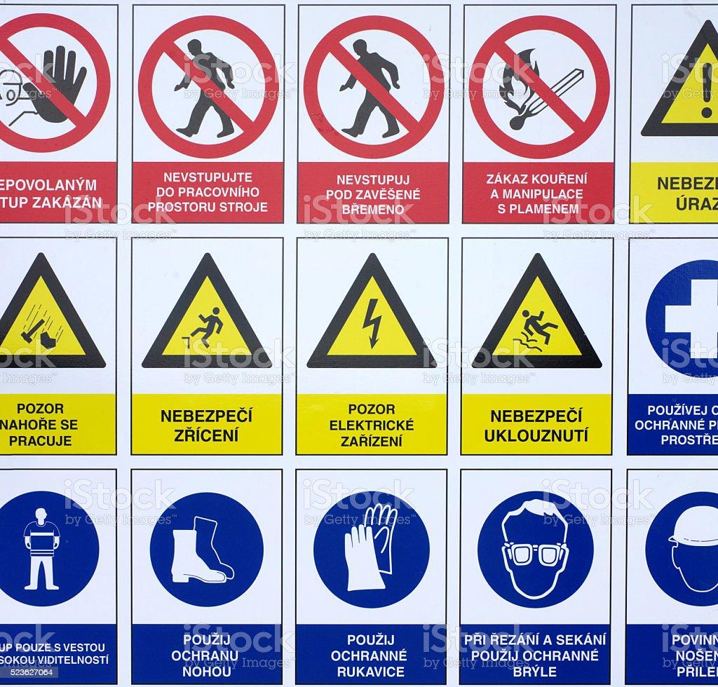 symboles avertissement panneaux de construction sur le. Black Bedroom Furniture Sets. Home Design Ideas