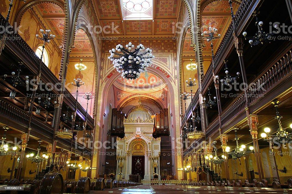 Synagoge innen - Lizenzfrei Altar Stock-Foto