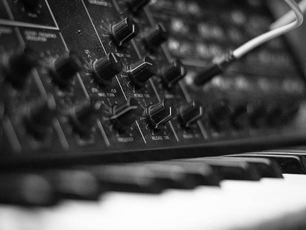 synthesizer – Foto