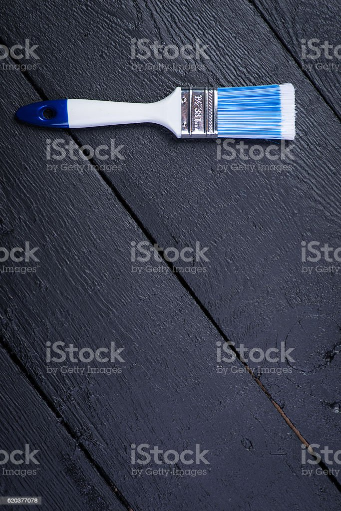 Synthetic paintbrush on wooden table foto de stock royalty-free