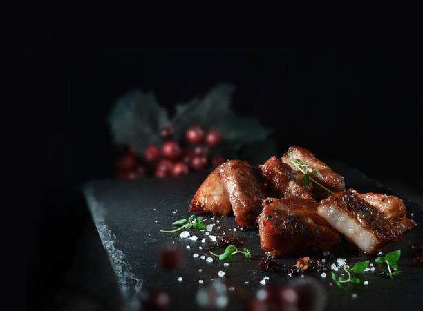 cocina de szechuan cerdo - tocino fotografías e imágenes de stock