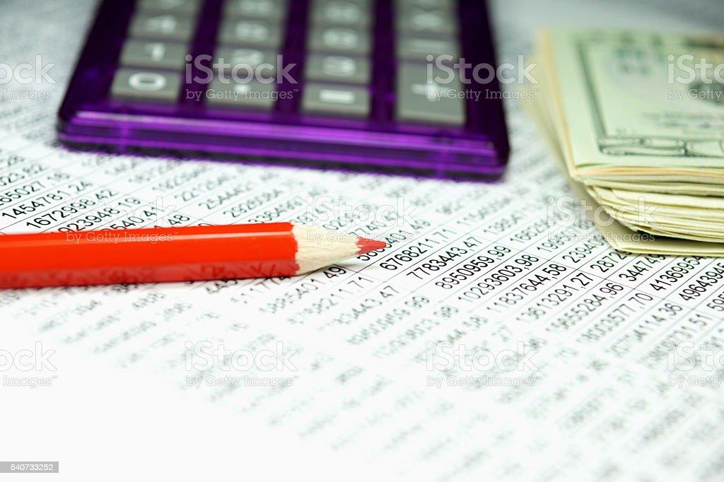Tabellenkalkulation und Bargeld stock photo