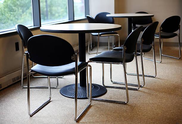 Tisch und Stühle – Foto