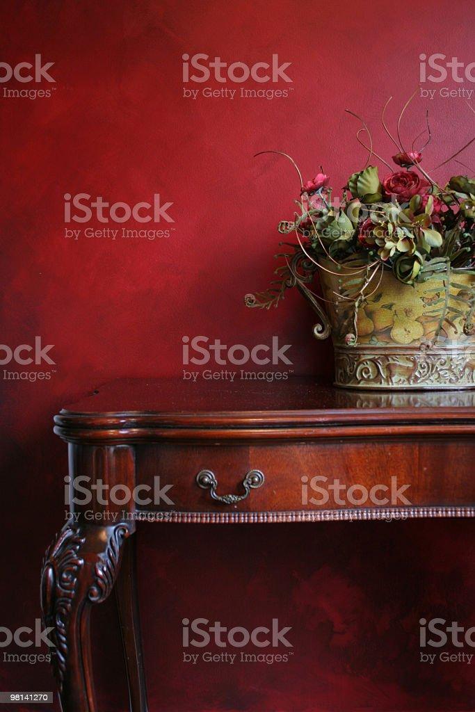 Tabella e fiori foto stock royalty-free