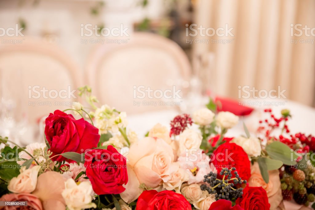 Table Decor For Wedding Ceremony Table Setting Flowers Red