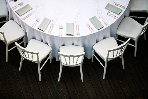 decoração de mesa - muita comida imagens e fotografias de stock