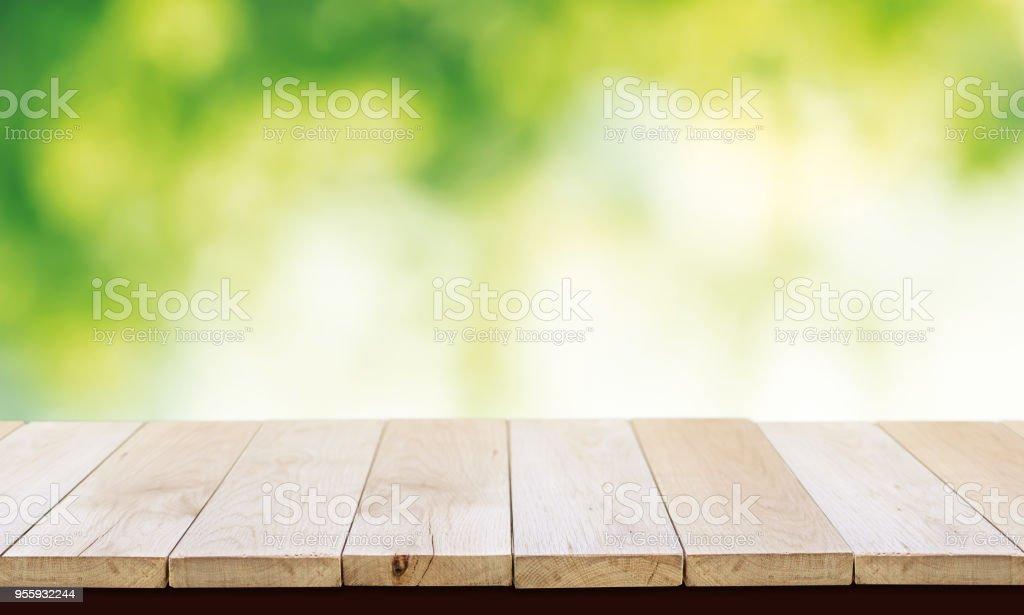 Table En Bois Jardin Stock Photo - Download Image Now