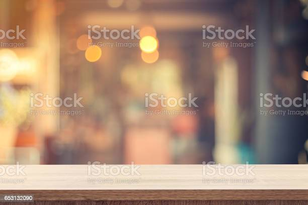 Table for product placement or montage and blurred coffee shop picture id653132090?b=1&k=6&m=653132090&s=612x612&h=nxxe8lwu6beorr szyd2uafcrp4v7k5ninklphqt6dg=
