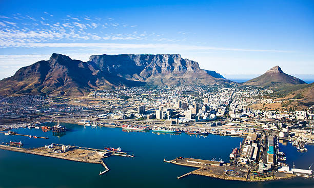table mountain and cape town harbour, south africa - cape peninsula stock pictures, royalty-free photos & images
