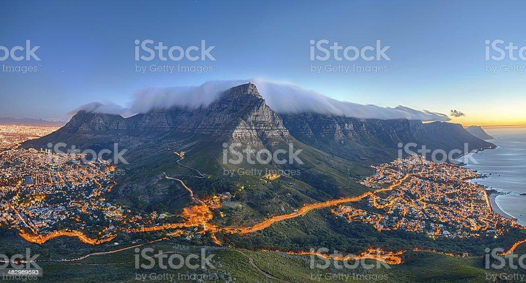 Tafelberg, Kapstadt, Südafrika - Lizenzfrei Abenddämmerung Stock-Foto