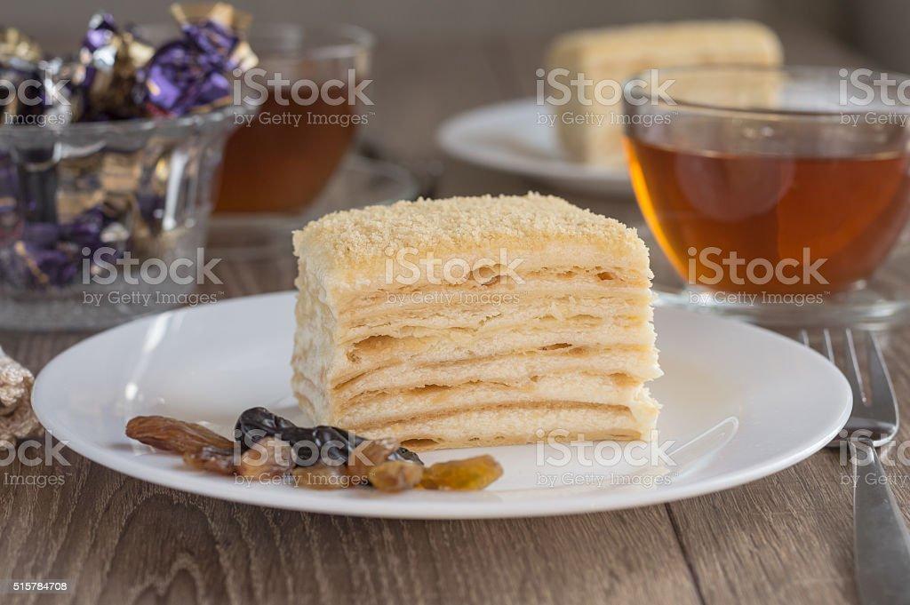 Tisch Mit Napoleon Kuchen Und Tee Fur Zwei Personen Stock Fotografie