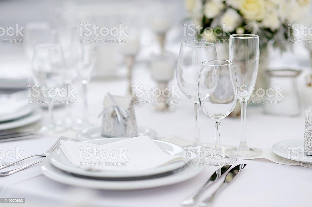 Tisch-set für eine Veranstaltung party oder Hochzeit  - Lizenzfrei Arrangieren Stock-Foto