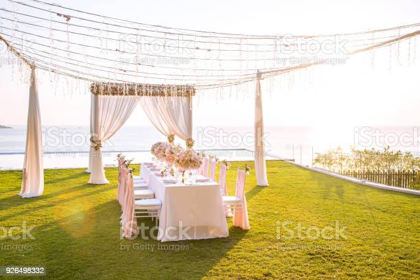 Table setting at a luxury wedding and beautiful flowers on the table picture id926498332?b=1&k=6&m=926498332&s=612x612&h=jmpaan3wep cbi6p2fluikpgp6ked2gkgsqt8gouz9e=