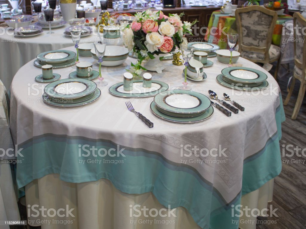 Photo Libre De Droit De Reglage De La Table Pour 6 Personnes