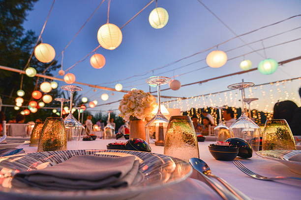 Table setting for an event party or wedding reception Table setting for an event party or wedding reception at the beach event stock pictures, royalty-free photos & images