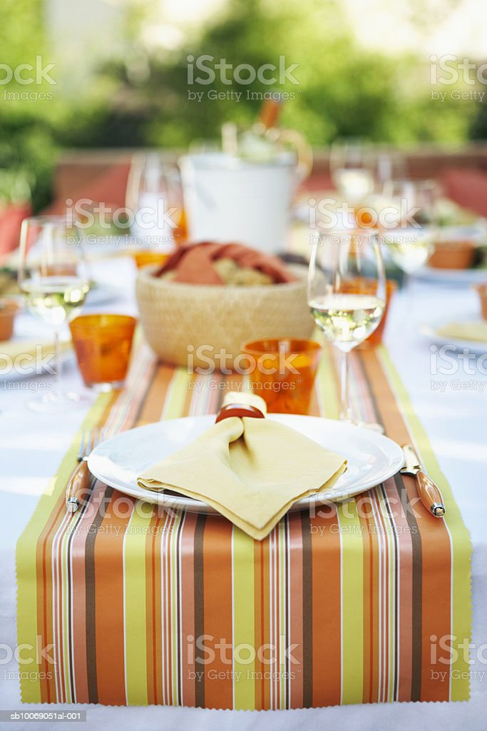 Table setting for outdoor party foto de stock royalty-free