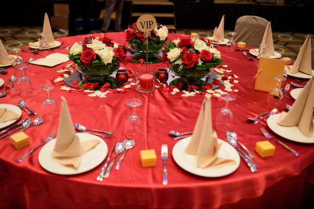 Table setting in wedding banquet Image of table setting in Chinese wedding banquet chinese wedding dinner stock pictures, royalty-free photos & images
