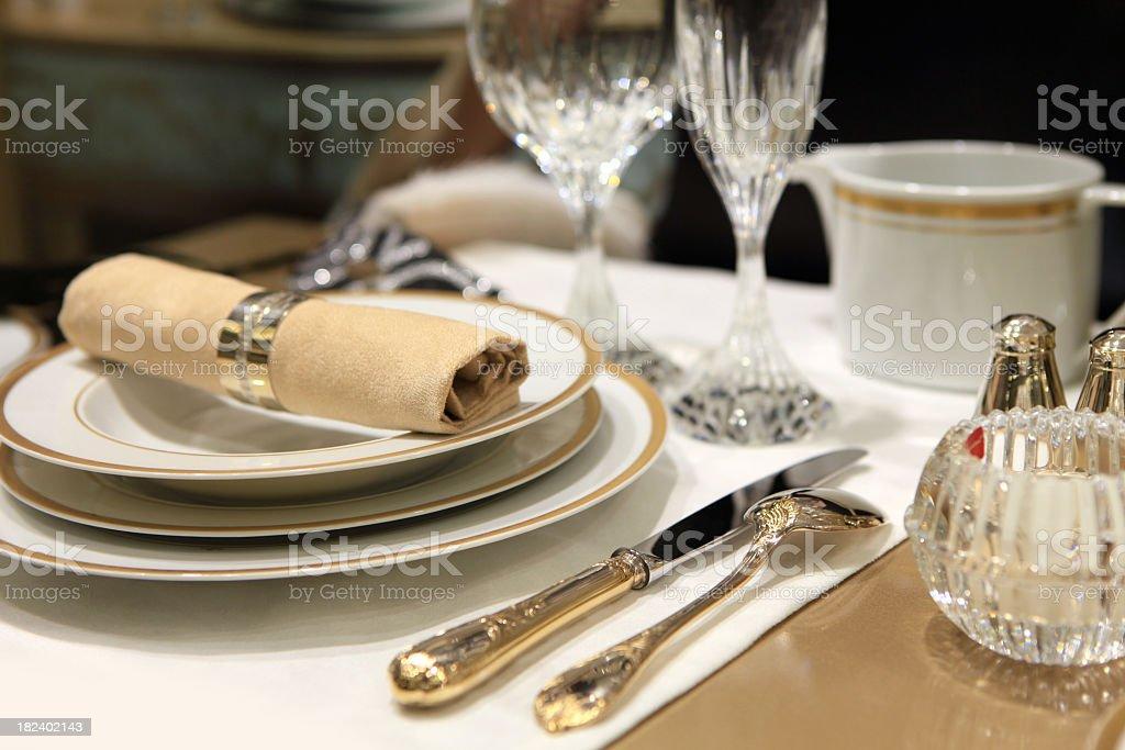 Decoradas mesa de comedor - foto de stock