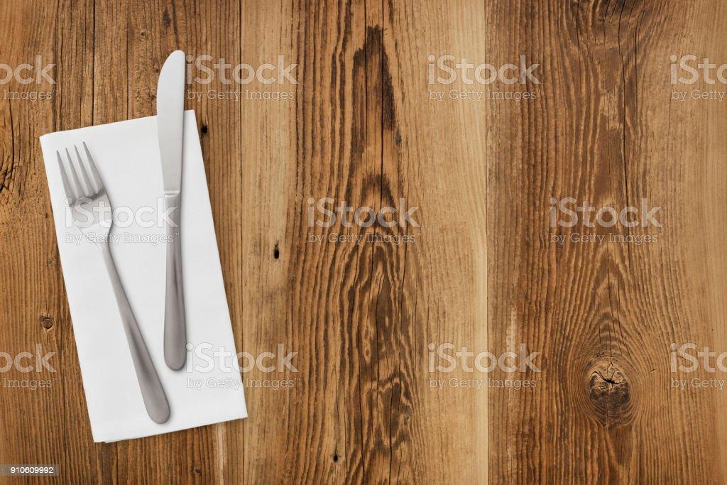 Tischdekoration auf Holz – Foto