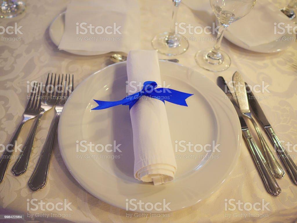 Tabellesetup Mit Besteck Platziert In Der Reihenfolge Der Verwendung Serviette Und Weiss China Stockfoto Und Mehr Bilder Von Arrangieren Istock