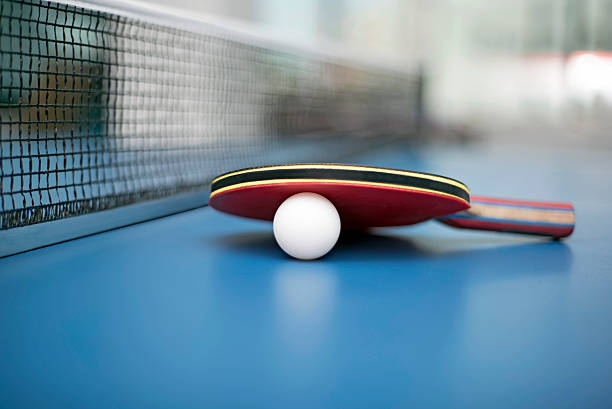 table tennis ball and bat - cue ball stock pictures, royalty-free photos & images