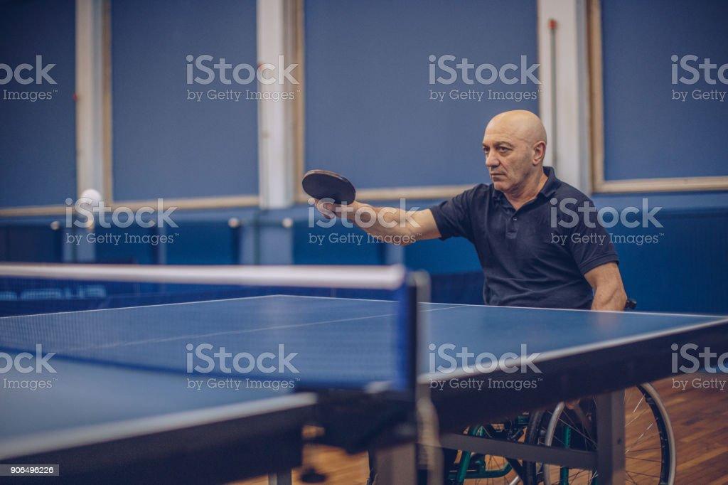 Photo Libre De Droit De Pratique Du Tennis De Table Banque D