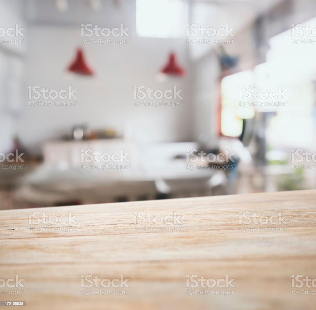 Tabella Top Banco Bar Con Offuscata Sfondo Di Cucina - Fotografie ...