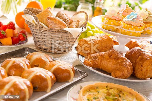istock Table with delicatessen ready for Easter brunch 918457978