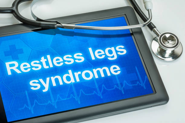 Tablet mit der Diagnose Restless Legs Syndrom auf dem display – Foto