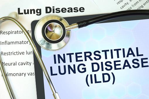 Tabletcomputer Mit Word Interstitial Lungenkrankheit Und Stethoskop Stockfoto und mehr Bilder von 2015
