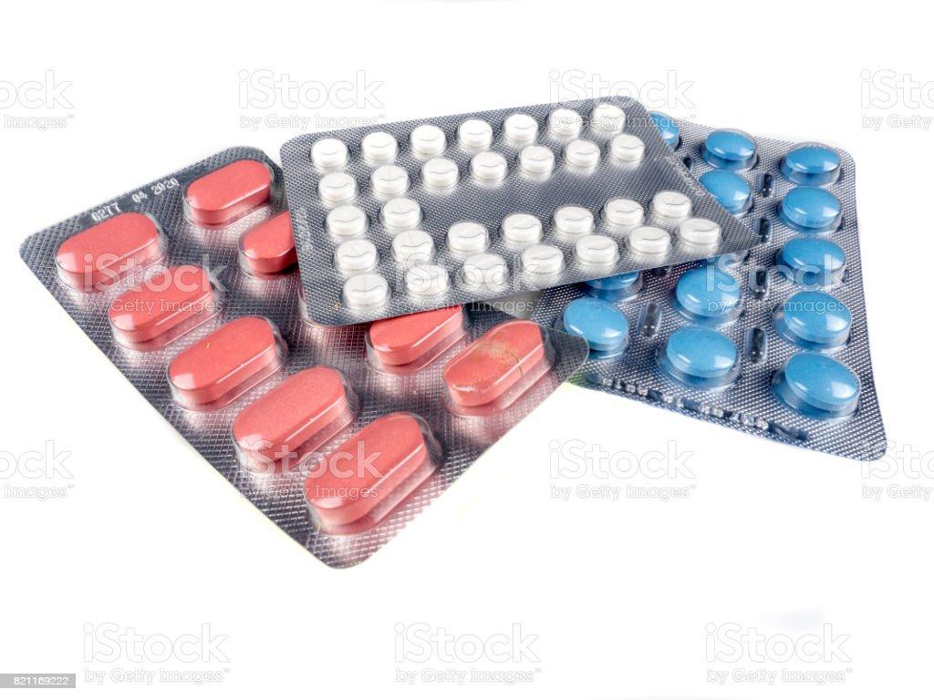Tablette de médicament sur fond blanc - foto de stock