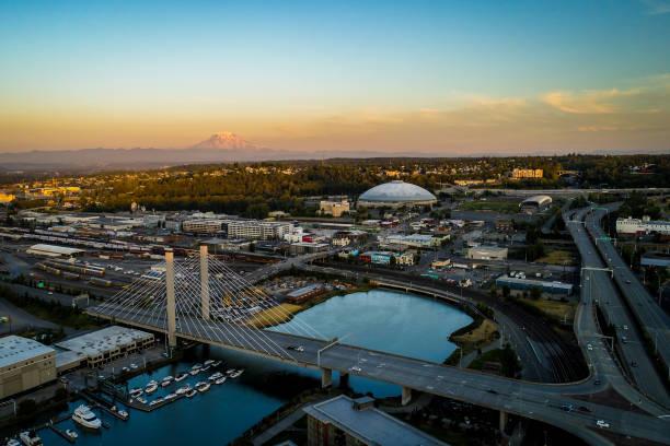 Tacoma Washington Landmarks Landscape A drone view of Tacoma Washington and Mt Rainier pierce county washington state stock pictures, royalty-free photos & images