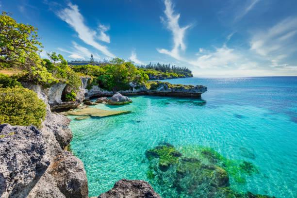 tadine bay lagoon maré island nova caledônia nouvelle calédonie - laguna - fotografias e filmes do acervo