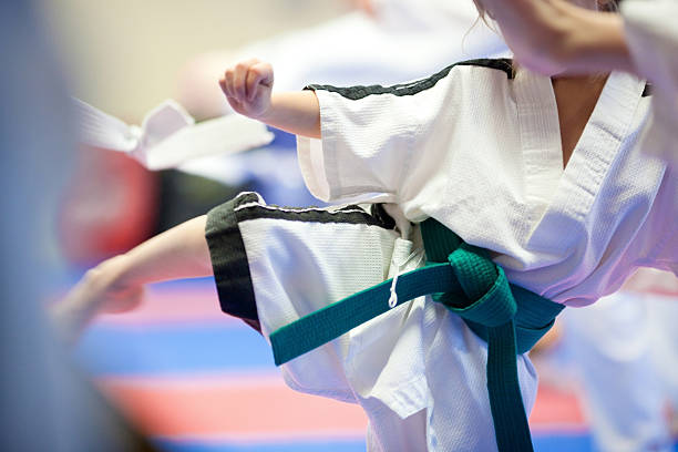 tae kwon-do kinder - karate stock-fotos und bilder