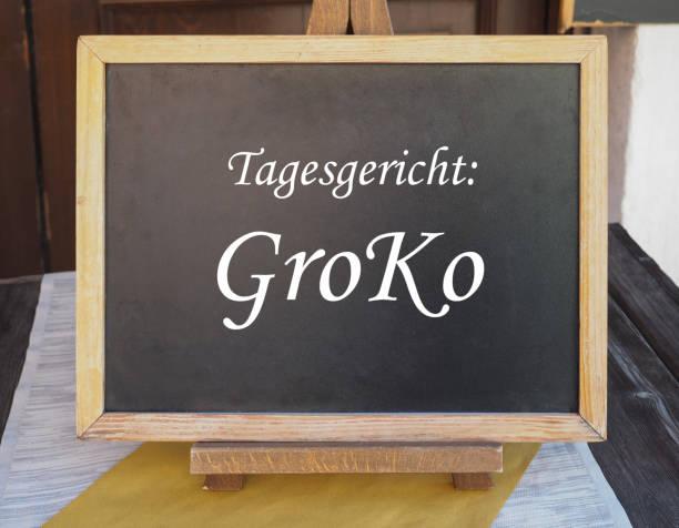 tagesgericht groko (d. h. gericht des tages: große koalition) - la union stock-fotos und bilder