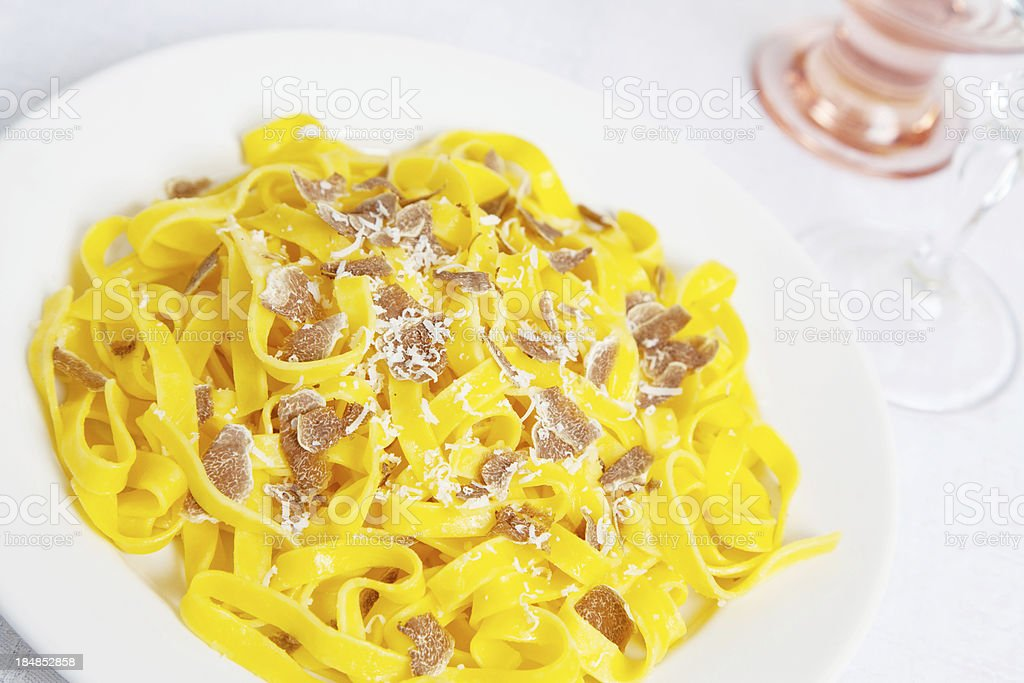 tagliatelle with white truffles stok fotoğrafı