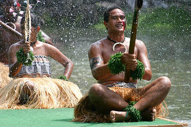 Tahitians auf Lastkahn – Foto