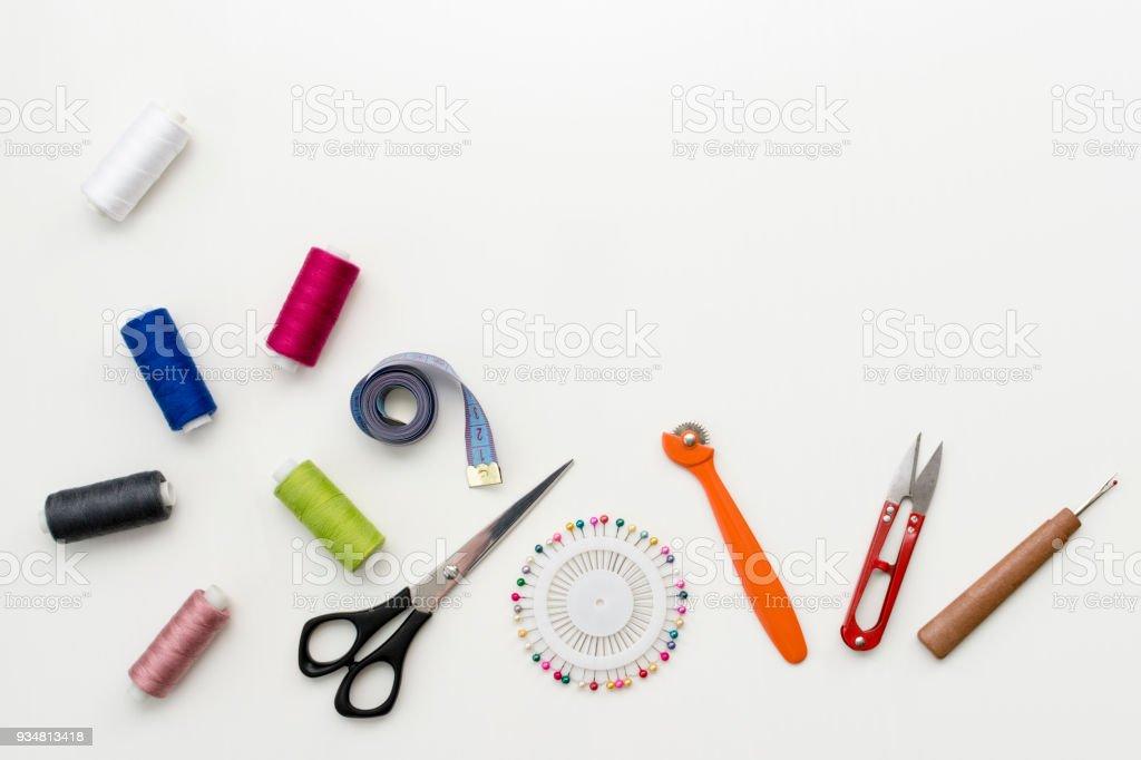 Bureau Pour La Couture : Bureau de tailleur patron de couture accessoires et outils sur la