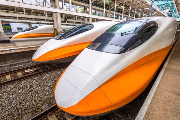 taiwan high speed rail - hochgeschwindigkeitszug stock-fotos und bilder